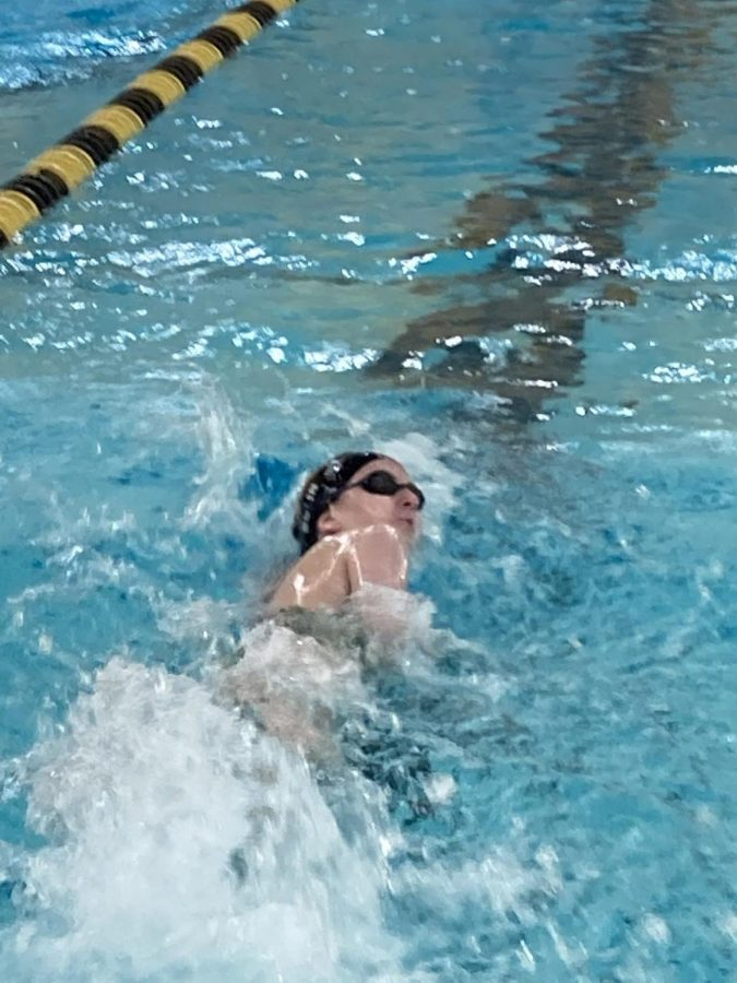 Senior Jocelin Bolin swims Freestyle from the September 29th meet against Fort Dodge. (Monica Cunningham, Photographer).